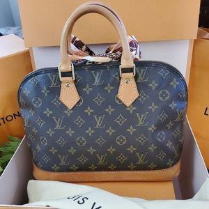 Louis Vuitton Bags - 💓Louis Vuitton Monogram Alma Mm💓